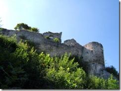 300px-Burg_Hohenurach_03_Blick_von_unten03